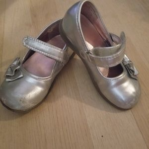 Other - Girl's Silver dress shoes Size 8-10
